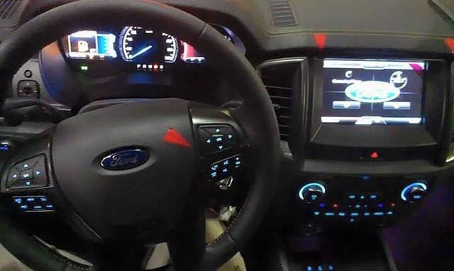 Ford Ranger 4X4 LT 2019, màu xám, nhập khẩu nguyên chiếc,729 triệu