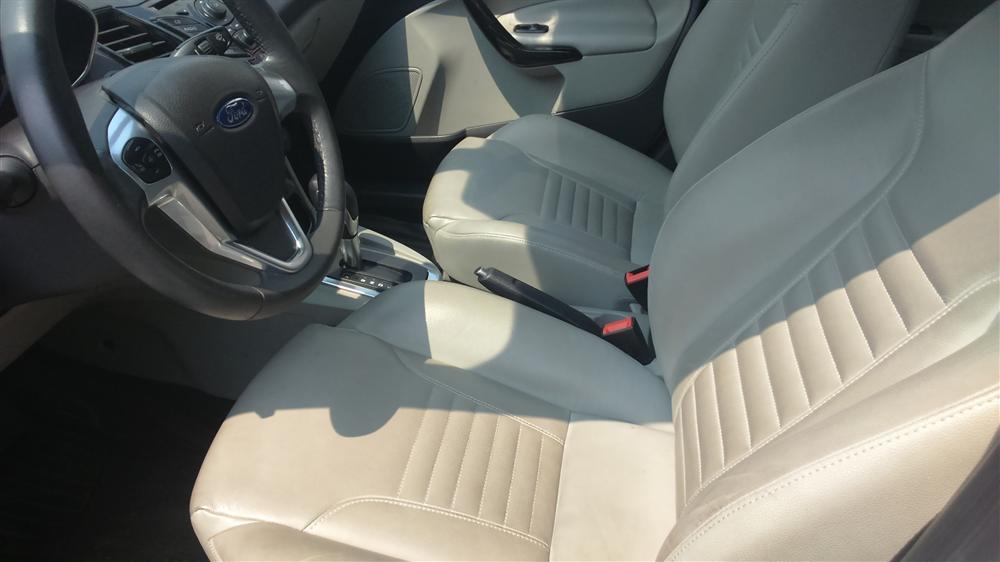 Bán ô tô Ford Fiesta titanium đời 2014, màu trắng, giá chỉ 545 triệu