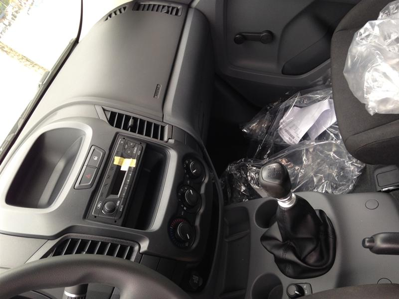 Cần bán Ford Ranger XL 4x4 MT đời 2015, nhập khẩu nguyên chiếc, 584 triệu, thủ tục nhanh gọn