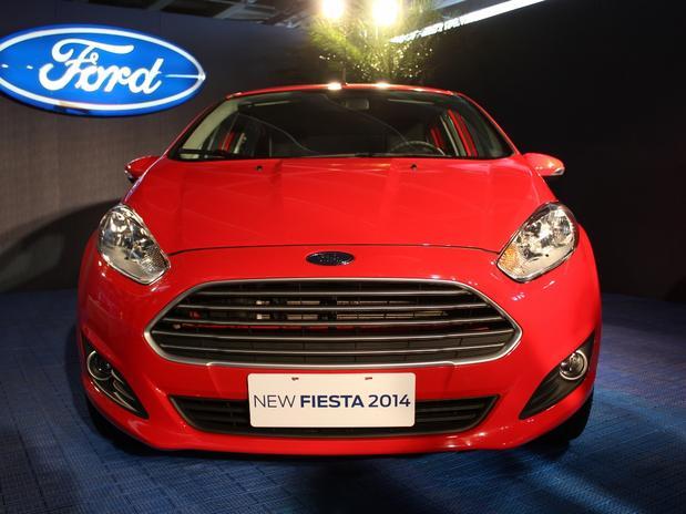 Cần bán xe Ford Fiesta ECOBOOST 1.0L đời 2018, màu đỏ, giá chỉ 590triệu
