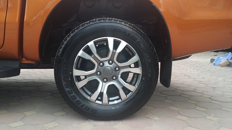 Ford Ranger Wildtrak 3.2 AT 4x4  2018 bán bao nhiêu? Mua xe chính hãng ở đâu?