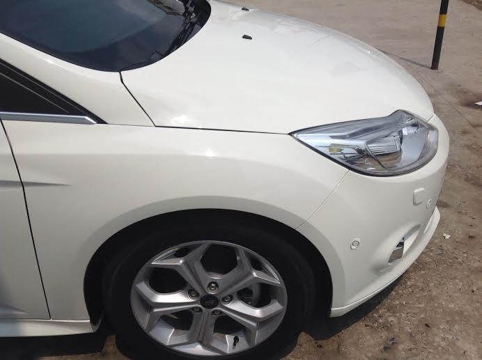 Cần bán Ford Focus 5D AT sản xuất 2014, màu trắng, giá 795tr