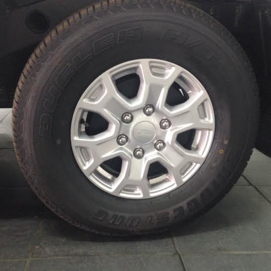 Bán xe Ford Ranger XLT 4X4 MT đời 2015, xe nhập