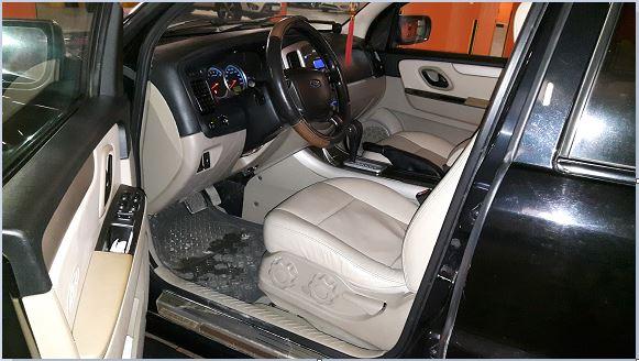 Cần bán xe Ford Escape XLT 2.3L đời 2008, màu đen, giá chỉ 490 triệu