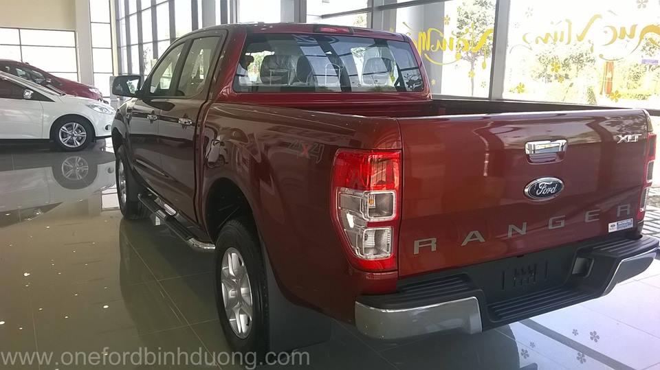 Bán ô tô Ford Ranger XLT sản xuất 2015, màu đỏ, nhập khẩu nguyên chiếc, giá chỉ 720 triệu