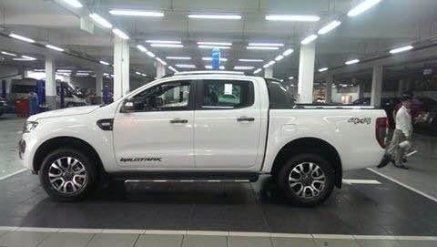 Cần bán xe Ford Ranger WILD TRAK 3.2 đời 2015, màu trắng, nhập khẩu, giá 859tr