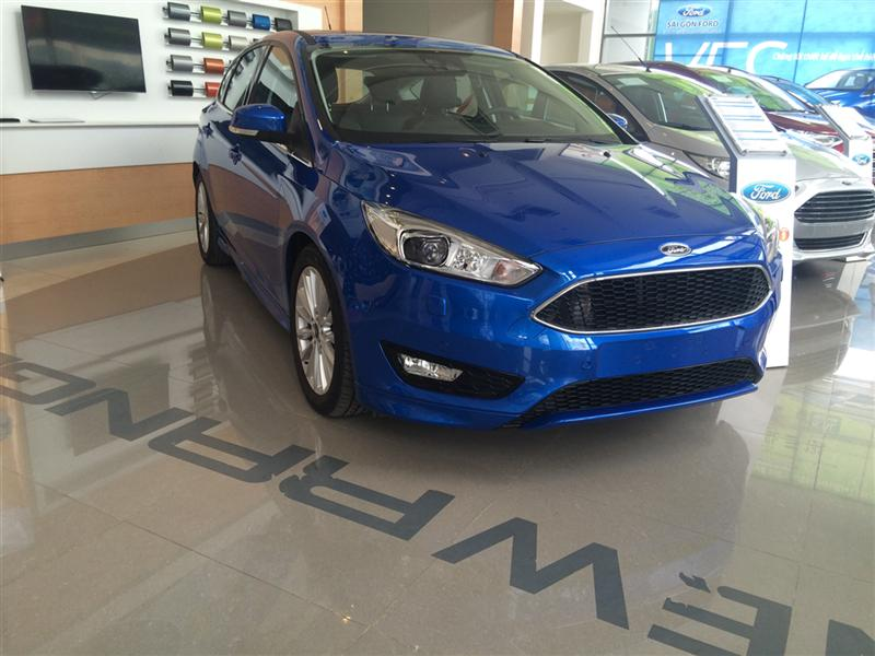 Bán Ford Focus giá Number One. LH : 0922797968
