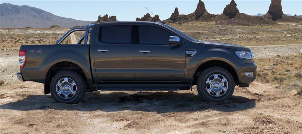 Bán xe Ford Ranger XLT 2016, hai cầu, số sàn - trả trước 229 triệu