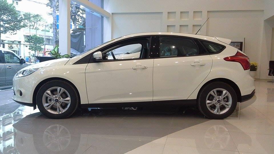 Bán xe Focus giá rẻ nhất Việt Nam :LH : 0909841444