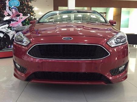 Cần bán Ford Focus 1.5L Ecoboot đời 2016, màu đỏ, nhập khẩu chính hãng