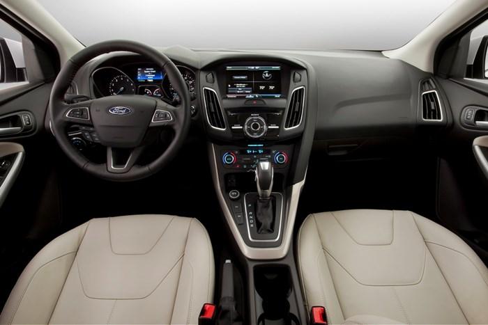 Bán Ford Focus 1.5L titanium đời 2019, màu đỏ, giá chỉ 725triệu