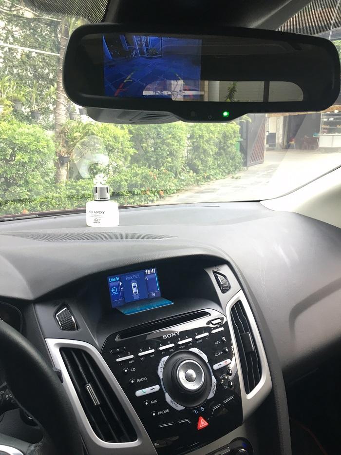 Xe Ford Focus 2.0 Sport đời 2014, màu đỏ chính chủ