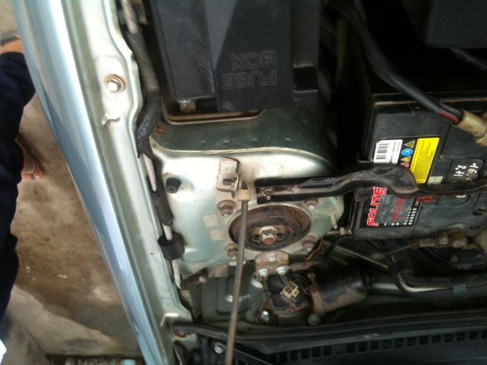 Cần bán gấp Ford Laser 1.6 MT đời 2000, màu xanh lam ít sử dụng
