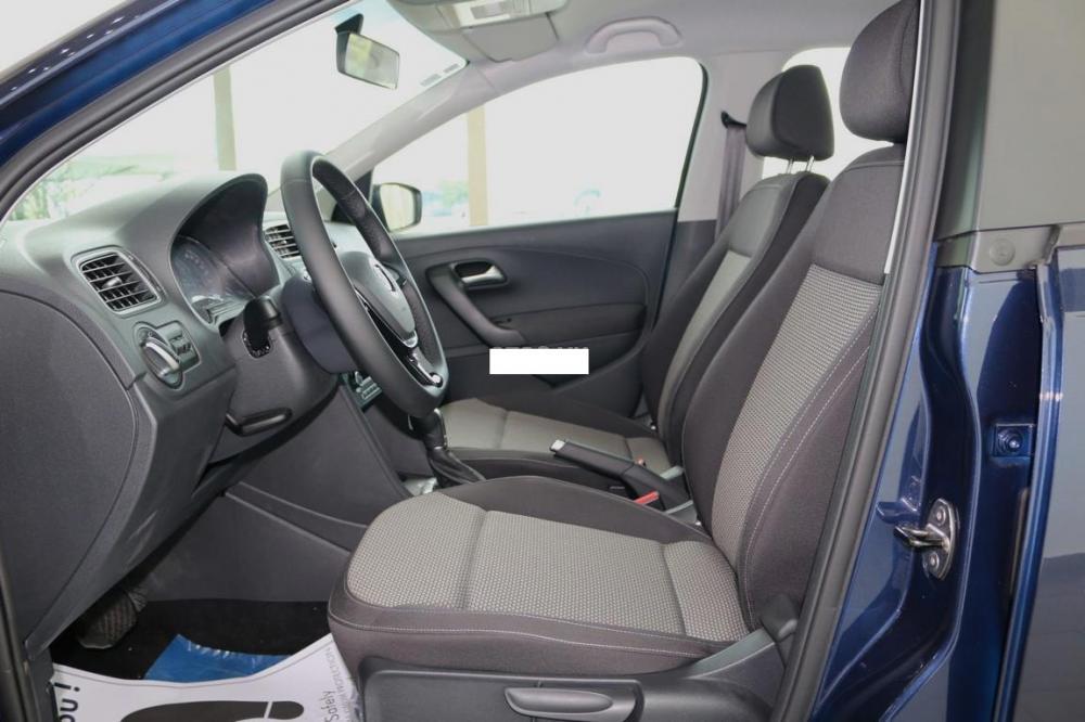 Bán Volkswagen Polo Hatchback 1.6 AT đời 2015, màu xanh lam, xe nhập, 662tr
