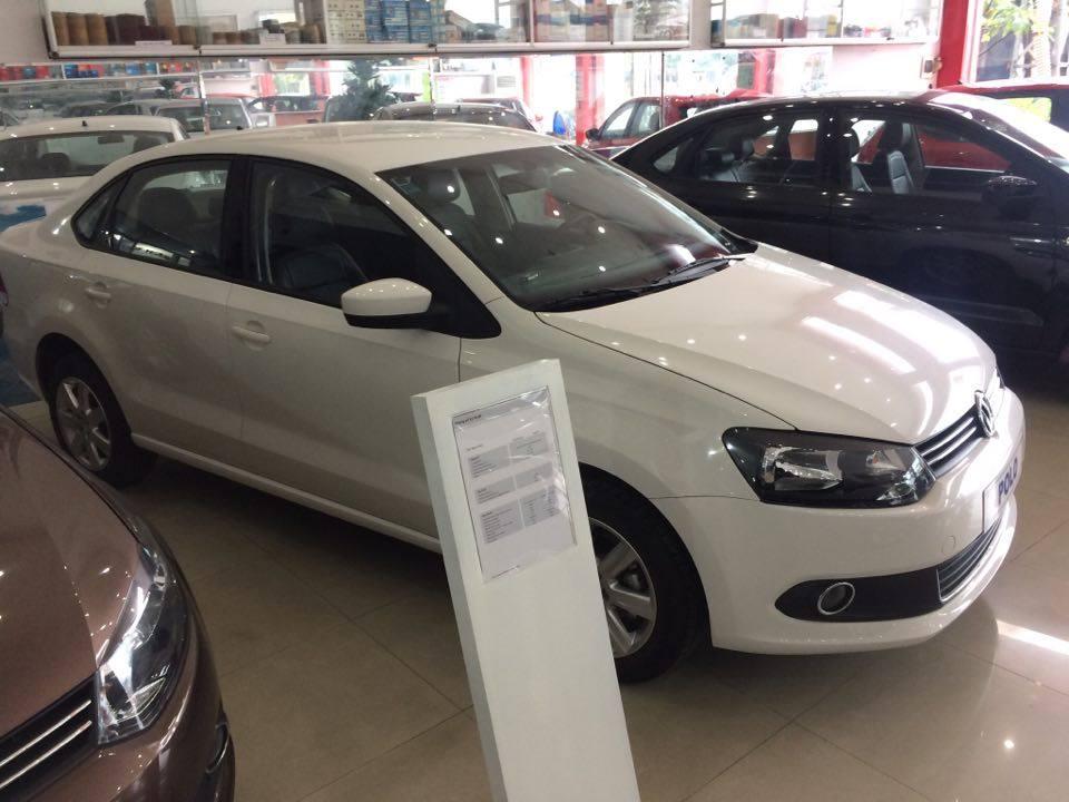 Bán xe Volkswagen Polo Sedan 1.6 AT đời 2015, màu trắng, nhập khẩu nguyên chiếc, 632tr