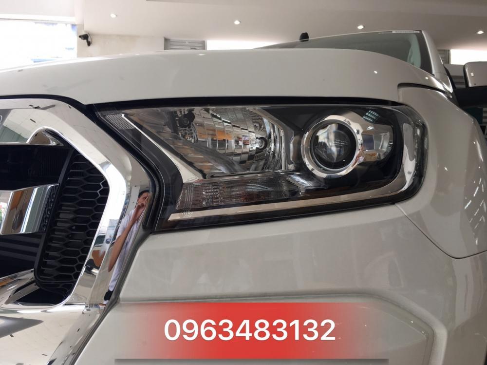 Bán ô tô Ford Ranger XLT 4x4 MT đời 2018, màu trắng, nhập khẩu chính hãng