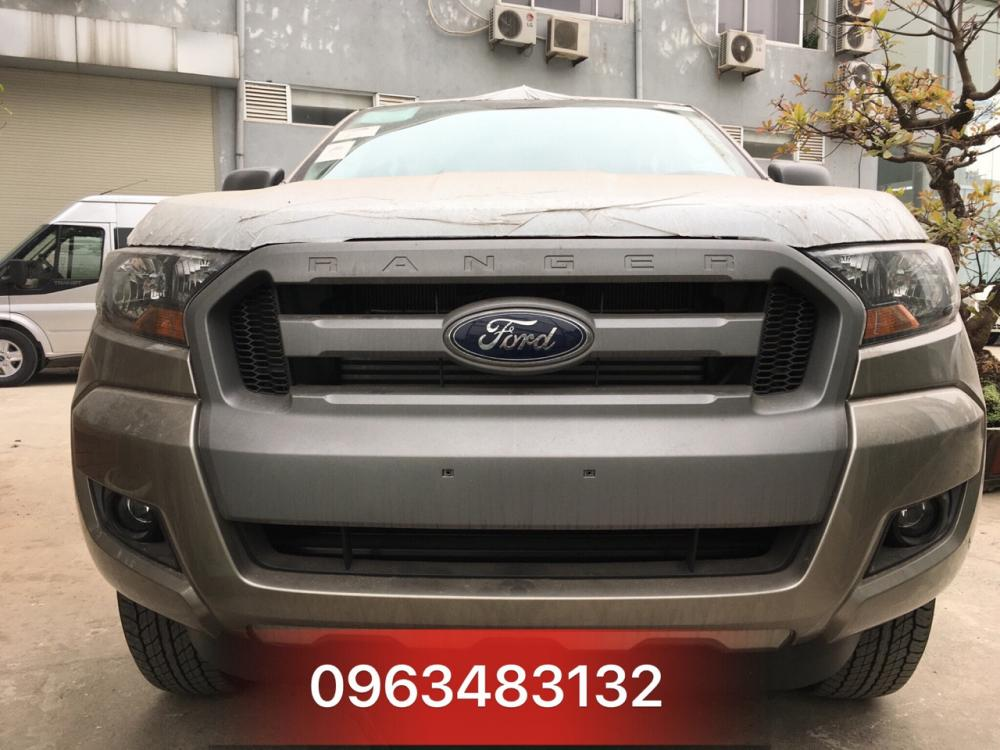 An Đô Ford - Bán Ford Ranger XLS 4x2 MT Màu Vàng Cát - Giao xe ngay