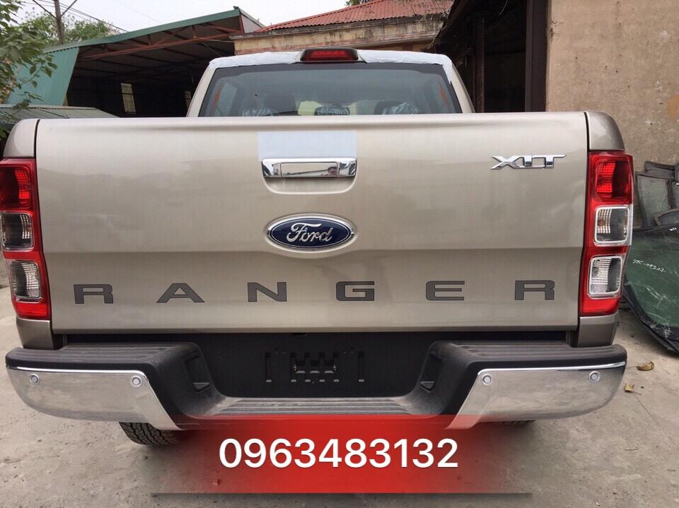 An Đô Ford - Bán Ford Ranger XLT 4x4 MT Màu Vàng Cát - Giao xe ngay