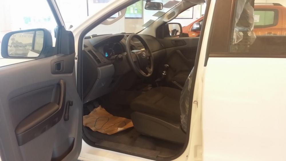 Bán ô tô Ford Sierra XL đời 2017, màu trắng, 595 triệu
