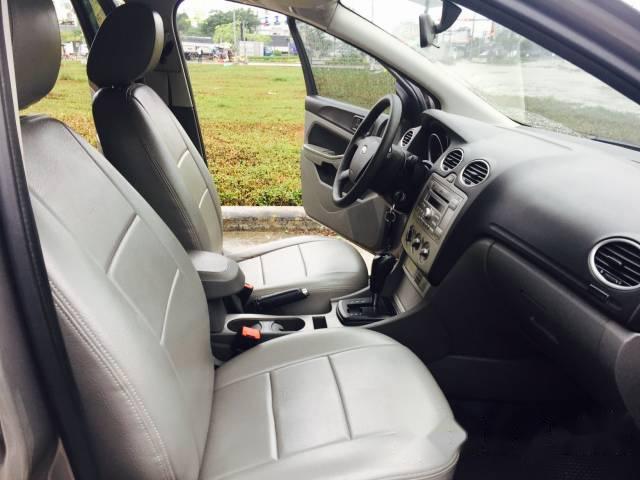 Cần bán Ford Focus 1.8L đời 2010, màu xám, giá 378tr