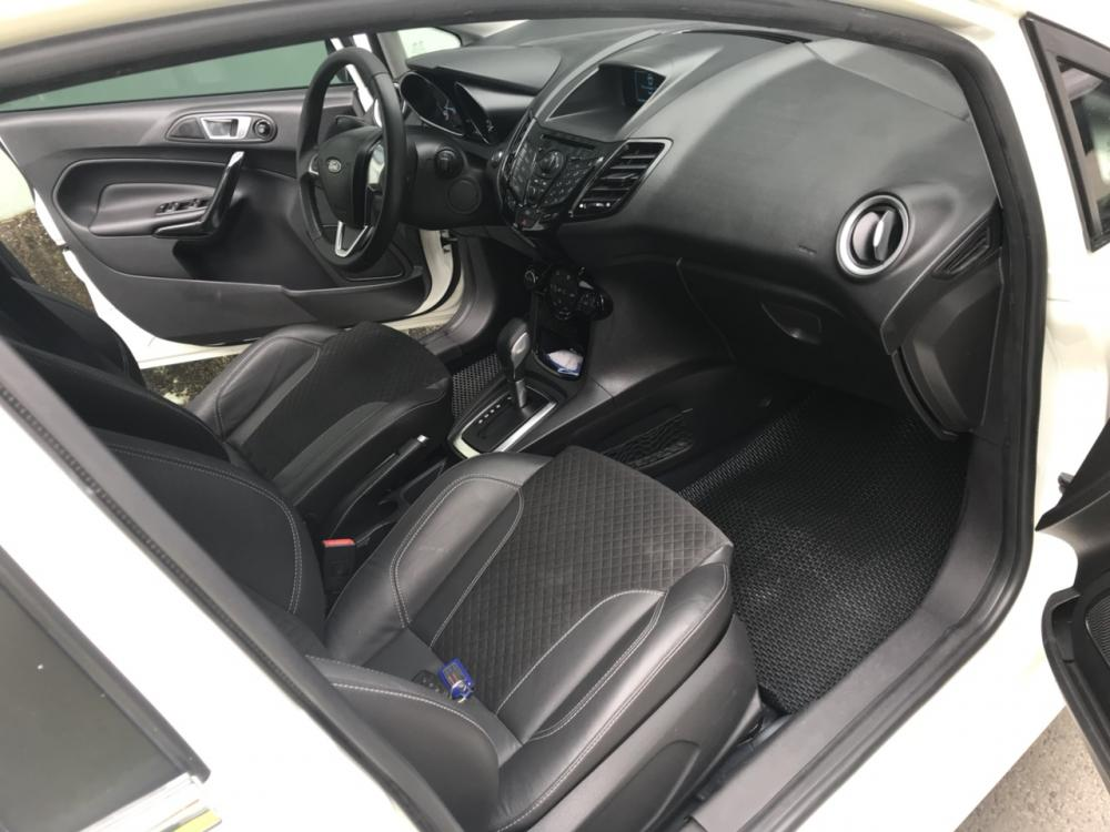 Bán xe Ford Fiesta EcoSport 1.0AT 2015 hatchback, màu trắng