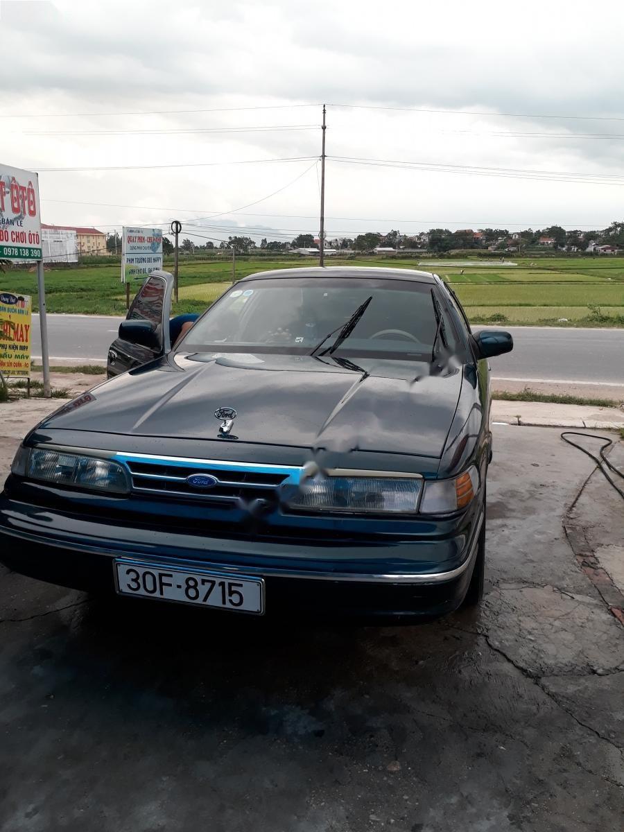Cần bán lại xe Ford Crown victoria đời 1995, màu xanh lam, nhập khẩu, 130tr
