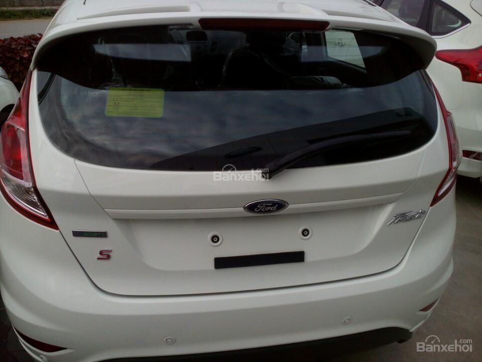 Bán Ford Fiesta 1.0 EcoBoost Sport đời 2017, đủ màu, giá cạnh tranh. Giá duy nhất tại Hà Nội, gọi ngay 0945103989