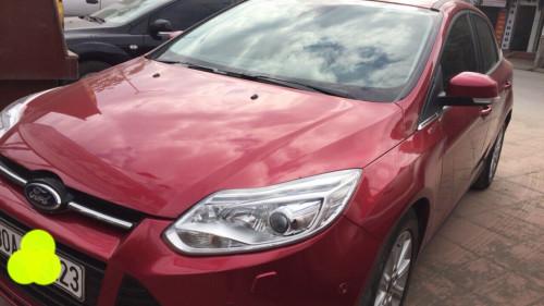 Bán Ford Focus 2.0 AT đời 2015, màu đỏ chính chủ giá cạnh tranh