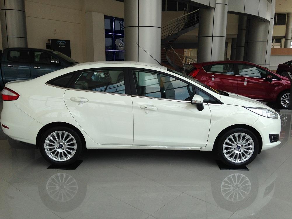 Bán xe Ford Fiesta 2018 giao ngay tại Nam Định hỗ trợ trả góp lãi xuất thấp thủ tục nhanh gọn