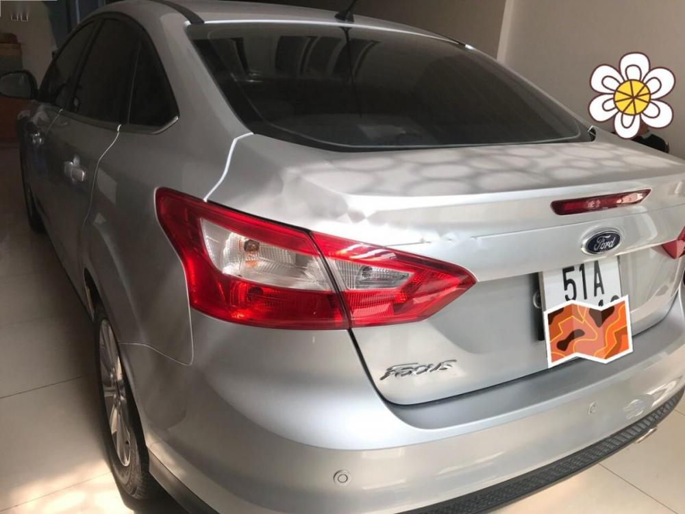 Bán Ford Focus 2.0 Titanium đời 2014, màu bạc