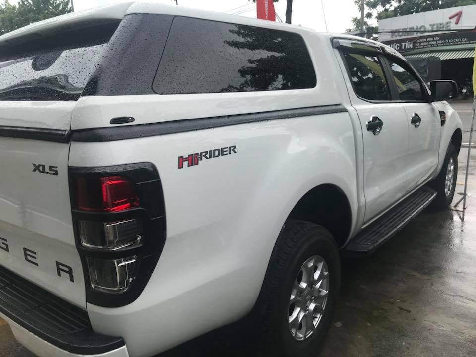Cần bán ngay xe Ford Ranger XLS MT 2015, xe màu trắng, giá cực chất, LH: 093.543.7595 để nhận thông tin xe