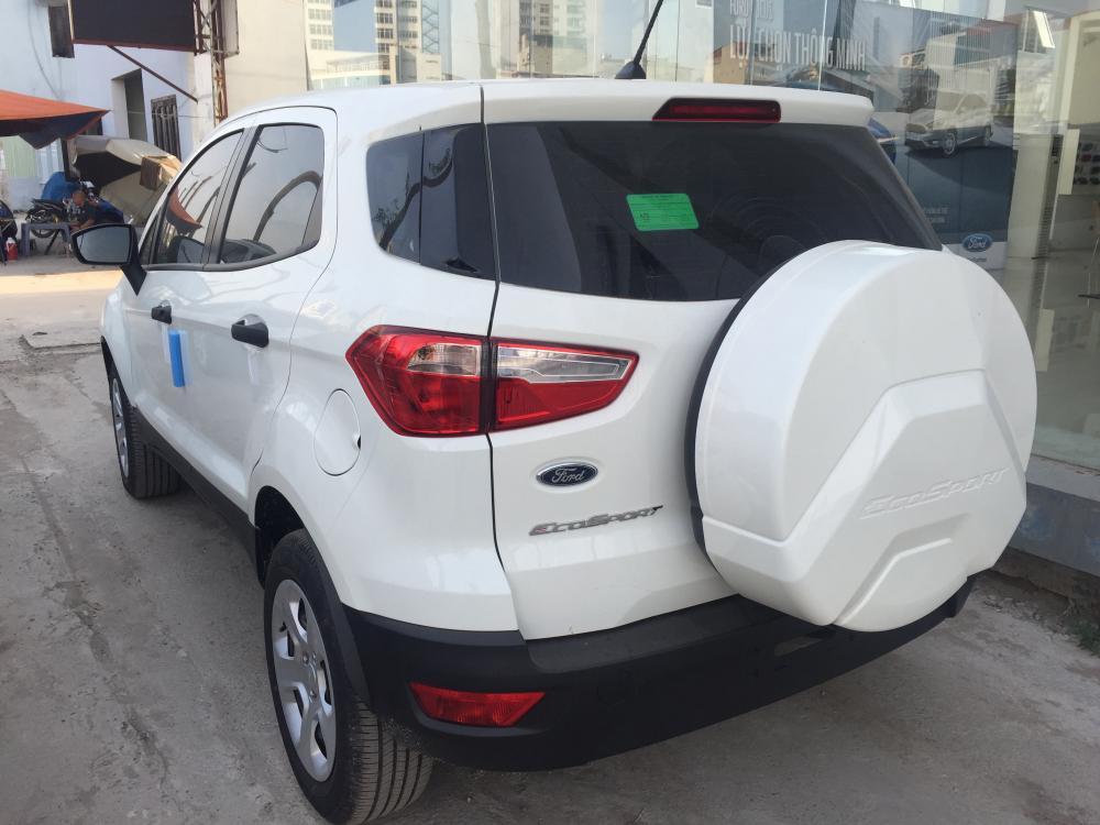 Bán ô tô Ford EcoSport Ambiente AT 4x2 1.5L sản xuất 2018, màu trắng, giao xe ngay