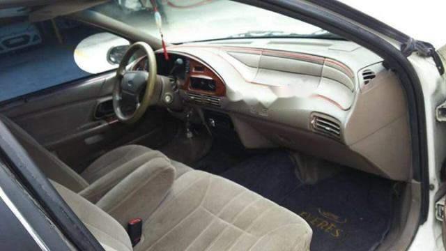 Bán ô tô Ford Taurus 2000, màu trắng, giá 105tr