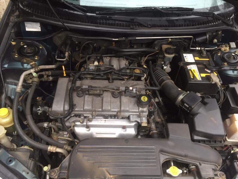 Cần bán rẻ xe Ford Laser 1.6 đời 2002, số sàn, máy xăng