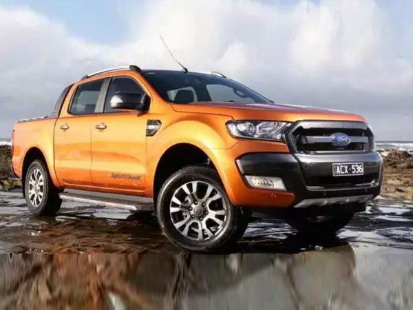 Cần bán xe Ford Ranger 4x4 năm sản xuất 2018, màu cam, nhập khẩu nguyên chiếc, giá 918tr