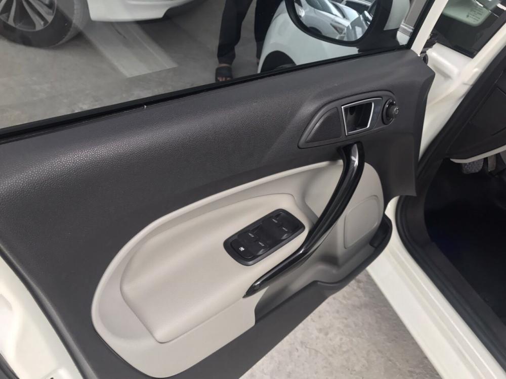 Bán xe Ford Fiesta năm sản xuất 2017, bản 1.5AT