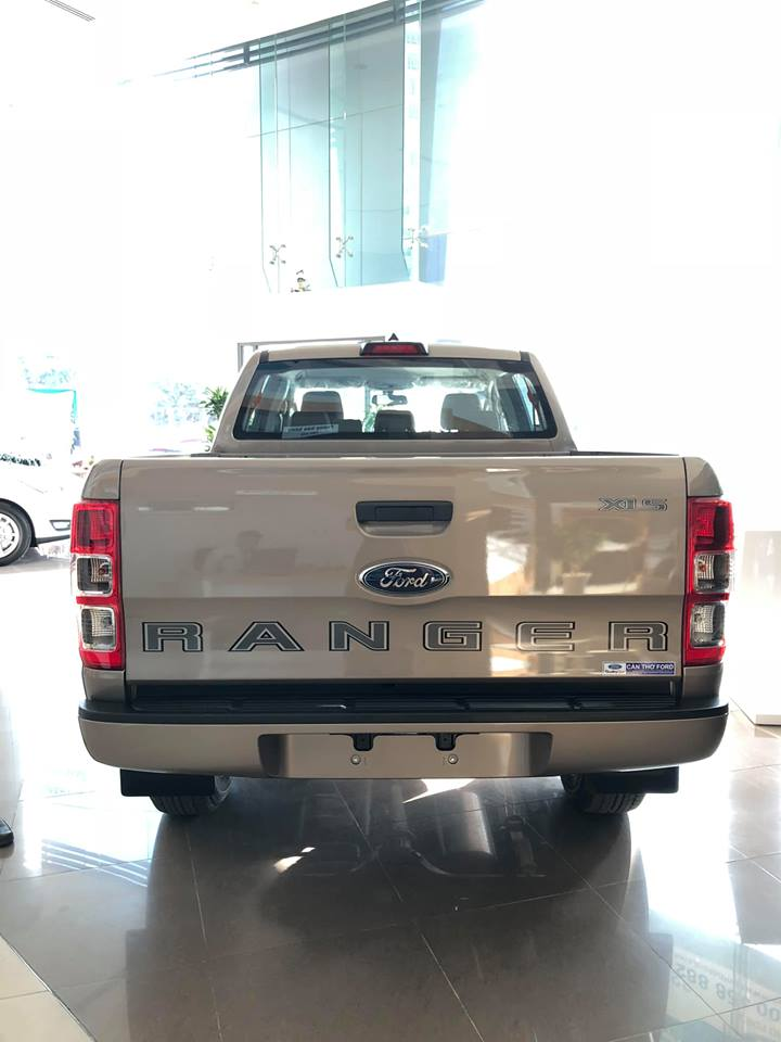 Mua xe Ford Ranger XLS 2.2L AT Tặng Gói phụ kiện hấp dẫn