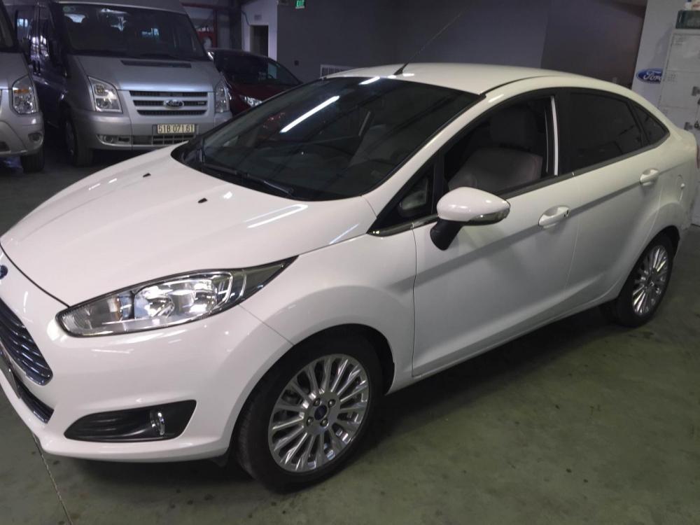 Cần bán xe Ford Fiesta 1.5L Titanium năm sản xuất 2014, màu trắng