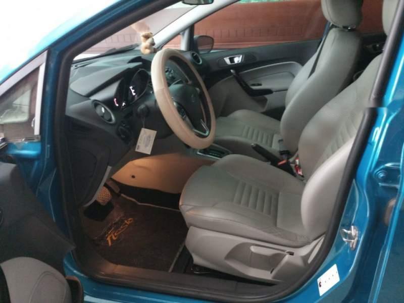 Cần bán Ford Fiesta 1.5 AT Titanium đời 2016, màu xanh lam, ít sử dụng