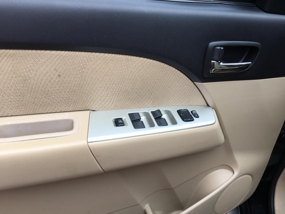 Cần bán xe Ford Everest 2.5MT sản xuất năm 2010, màu đen, giá tốt