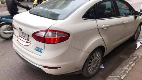 Em bán Ford Fiesta 1.5AT Titanium sản xuất 2014, biển Hà Nội, một chủ đi từ mới