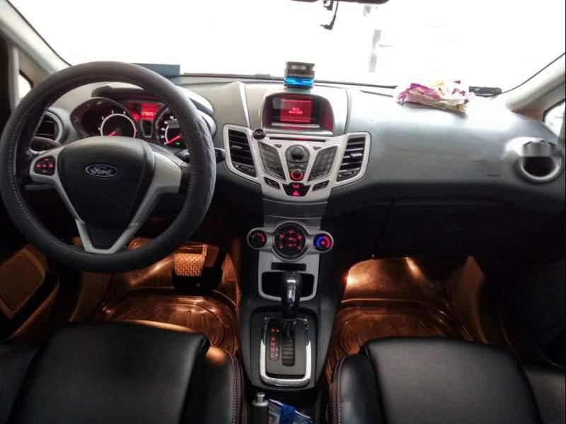 Cần bán Ford Fiesta S 2012, màu đỏ chính chủ, giá chỉ 335 triệu