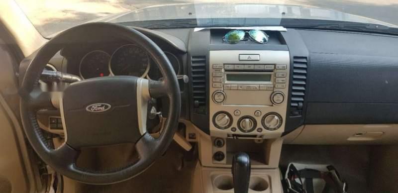 Cần bán lại xe Ford Everest Limited 2010, màu hồng phấn, số tự động
