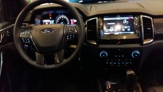 Ford Everest  nhập khẩu mới 100%, trả trước 20%