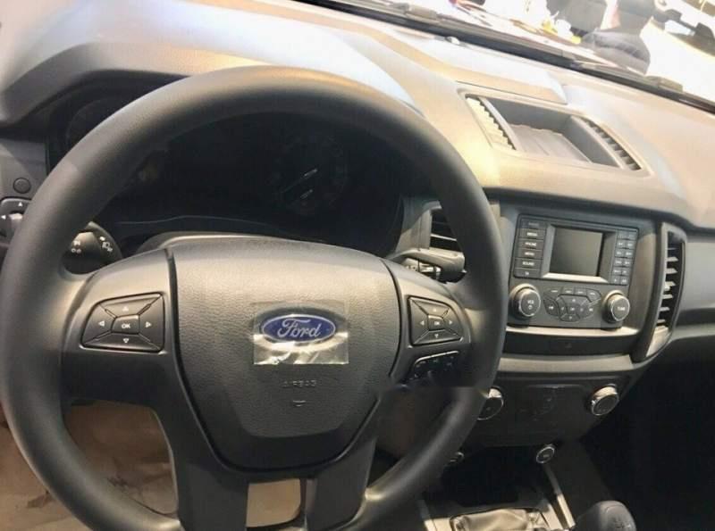 Bán xe Ford Ranger XL 4X4 MT đời 2016 chính chủ giá cạnh tranh