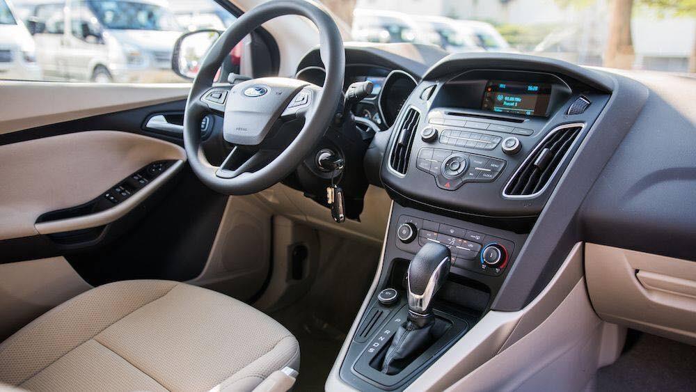 Bán xe Ford Focus Trend 4D năm 2019, màu đỏ, hỗ trợ trả góp 80%, giao xe ngay tại Ford An Đô