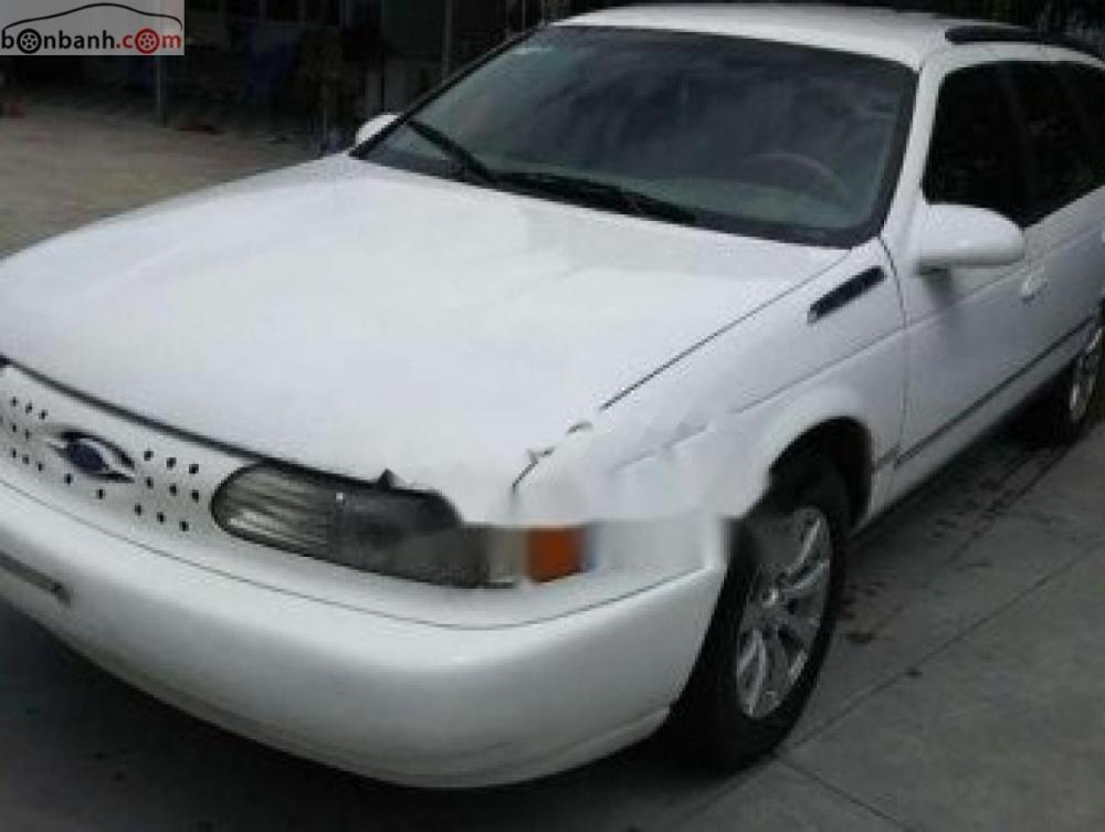 Bán xe Ford Taurus đời 1995, màu trắng, nhập khẩu