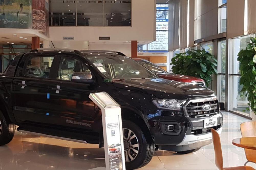 Bán ô tô Ford Ranger Wildtrak 2.0 Biturbo 4x4 AT đời 2019, màu đen, xe nhập, 918 triệu