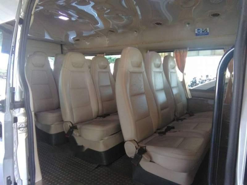 Cần bán gấp Ford Transit Luxury 2014, màu bạc chính chủ