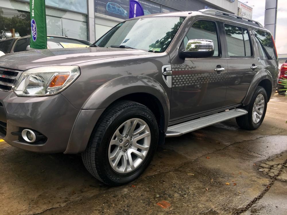 Bán Ford Everest Limited sản xuất năm 2014, màu nâu. Gía thương lượng